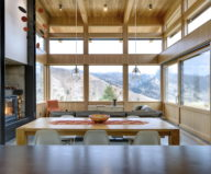 nahahum-the-cozy-house-aslope-the-hill-in-the-usa-9