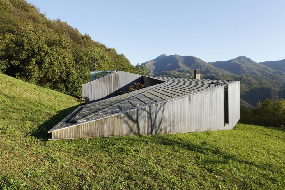 the-alpine-residence-in-italy-13