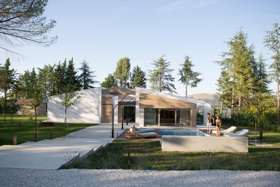 the-house-for-a-young-family-in-italy-2