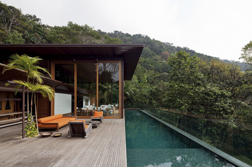 the-residence-in-the-tropical-forest-brazil-3