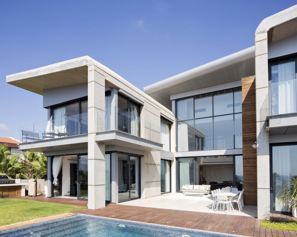 the-villa-on-the-mediterranean-coast-10