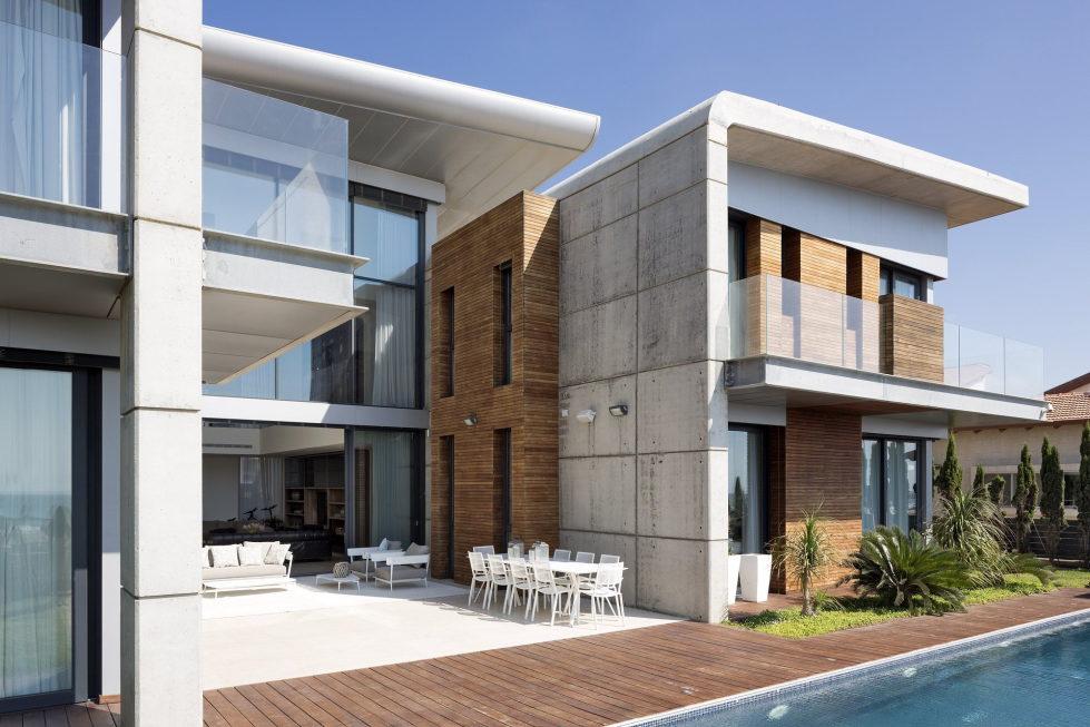 the-villa-on-the-mediterranean-coast-17