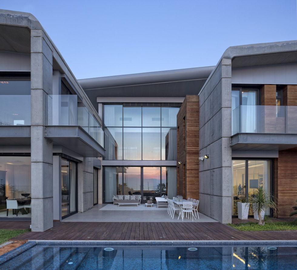the-villa-on-the-mediterranean-coast-3