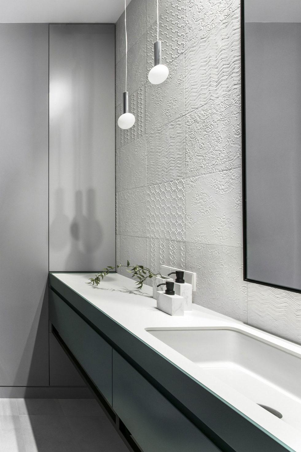 interior-of-the-apartment-in-vilnius-11