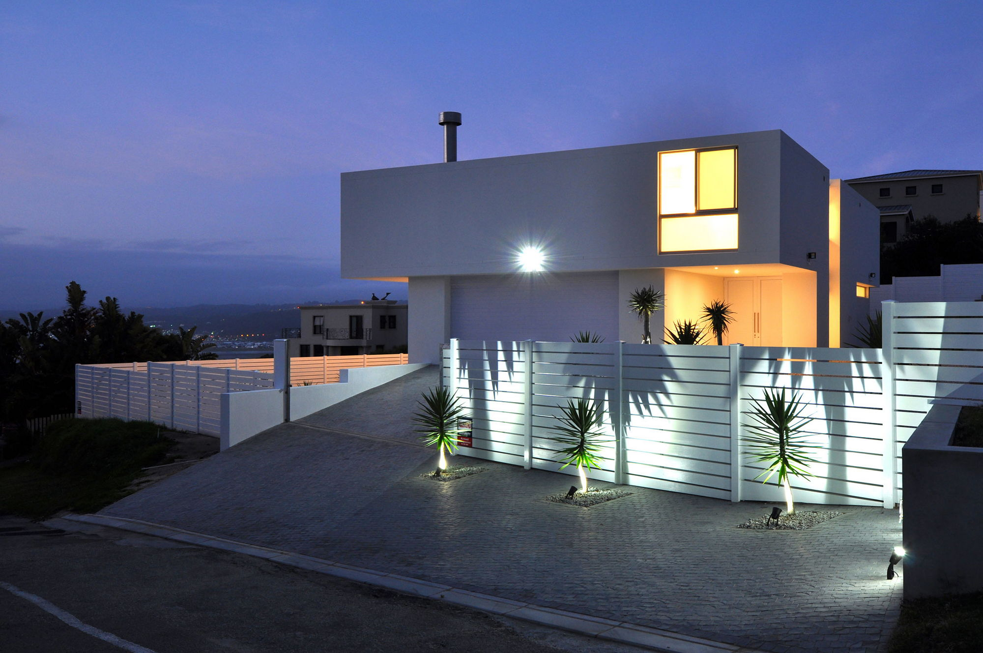 Modern house in south africa upon the studiovision for Modern home designs south africa