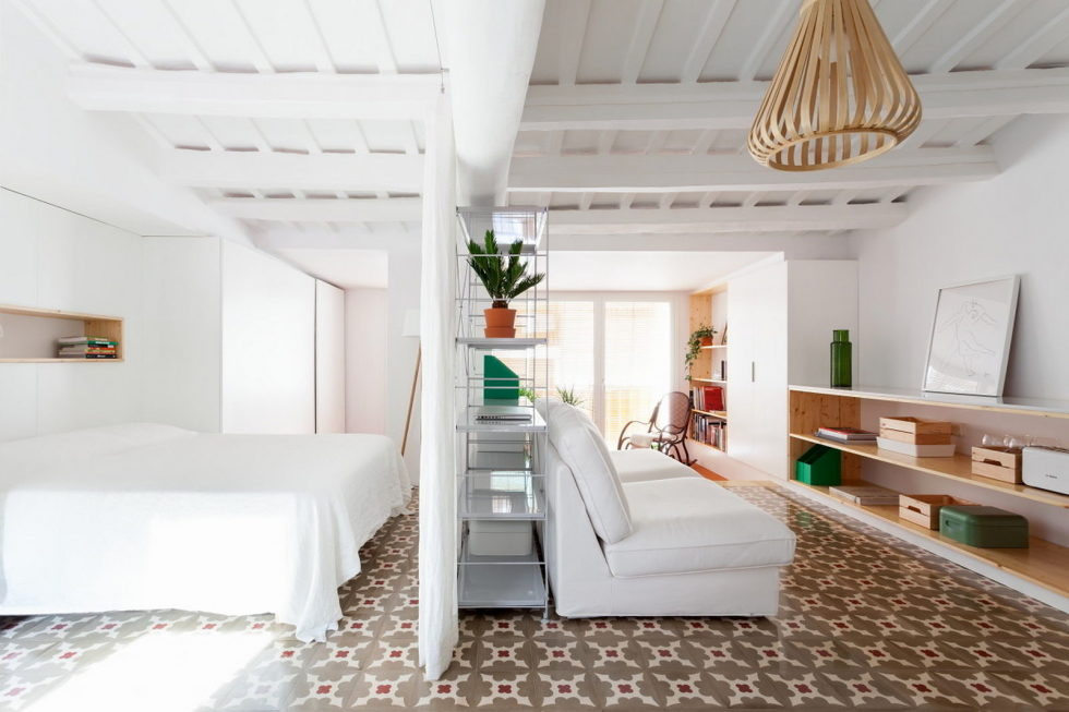 reconstruction-of-the-apartment-at-a-residential-district-in-barcelona-1