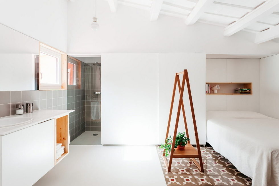 reconstruction-of-the-apartment-at-a-residential-district-in-barcelona-5