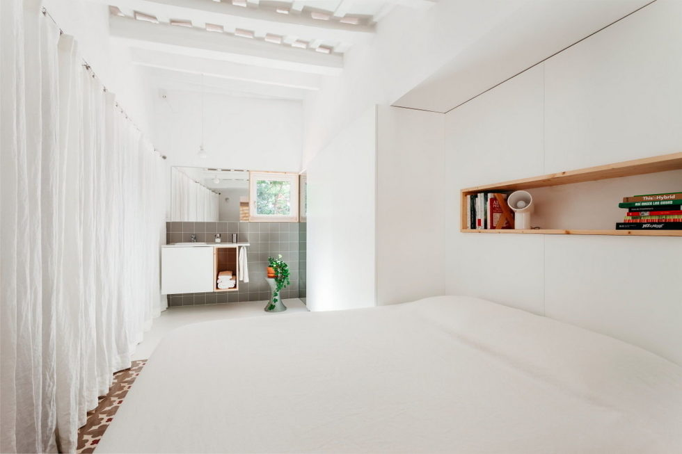 reconstruction-of-the-apartment-at-a-residential-district-in-barcelona-7