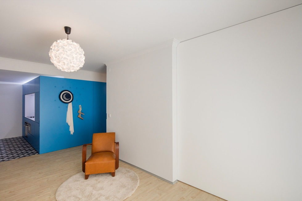 small-apartment-reconstruction-in-portugal-10