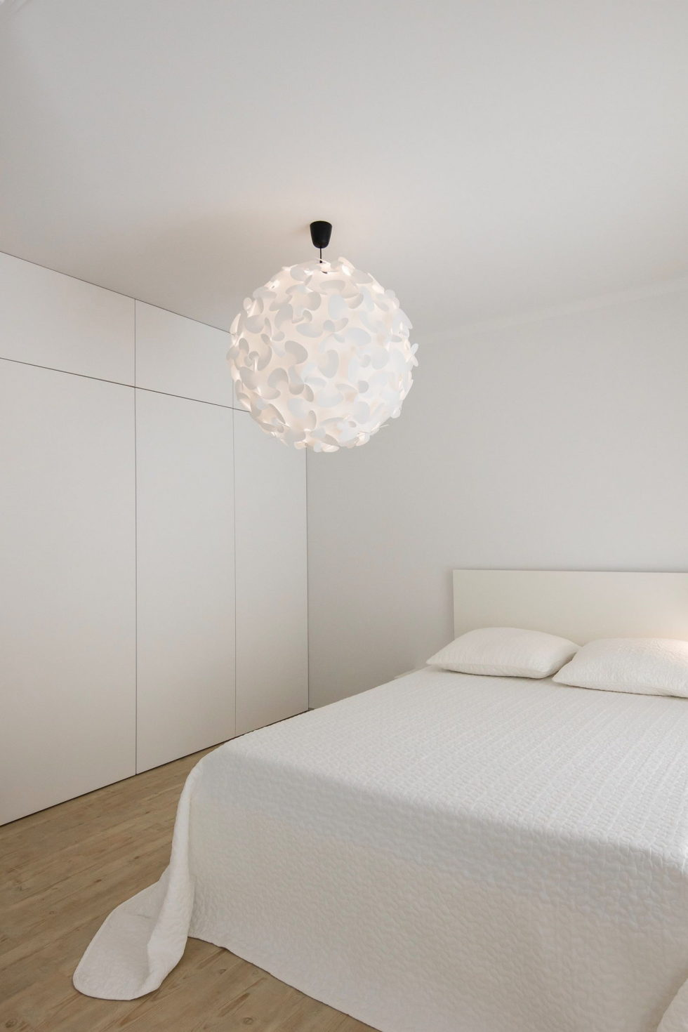 small-apartment-reconstruction-in-portugal-13