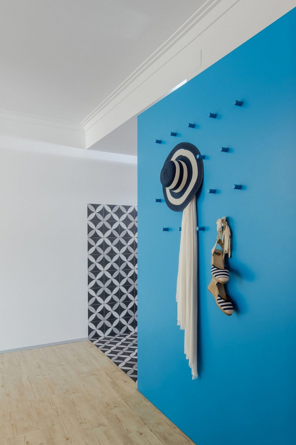 small-apartment-reconstruction-in-portugal-16