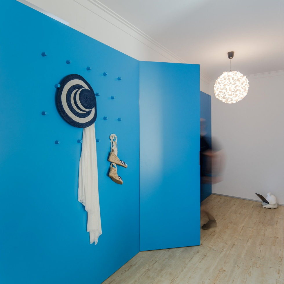 small-apartment-reconstruction-in-portugal-18