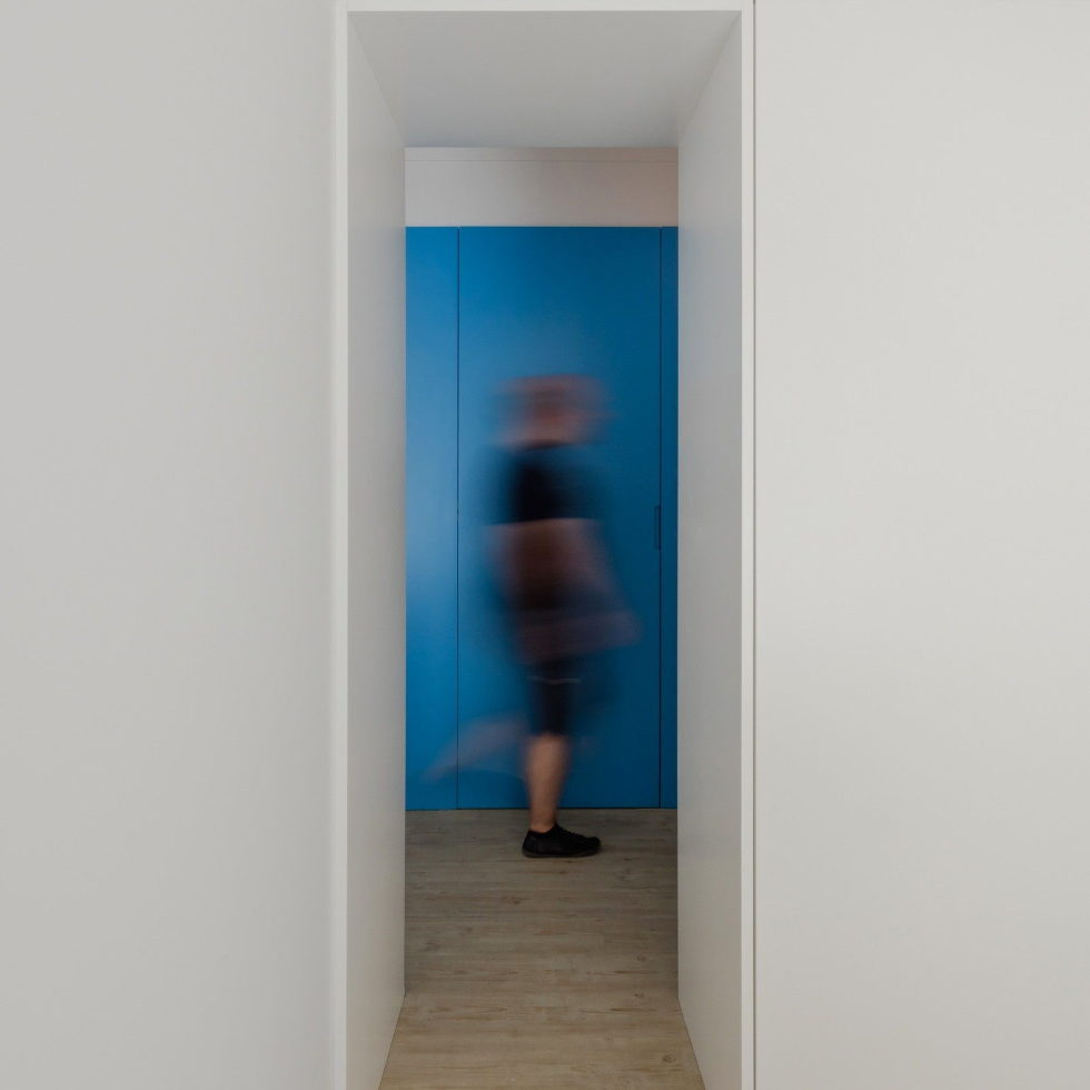 small-apartment-reconstruction-in-portugal-22