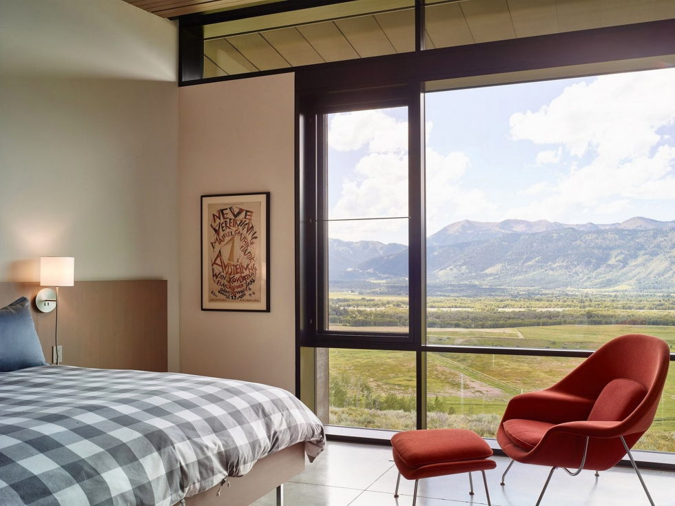 the-house-on-the-open-area-and-mountains-nearby-13