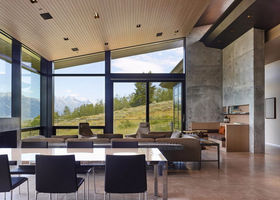 the-house-on-the-open-area-and-mountains-nearby-5