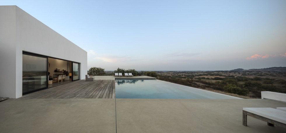 the-villa-in-portugal-17