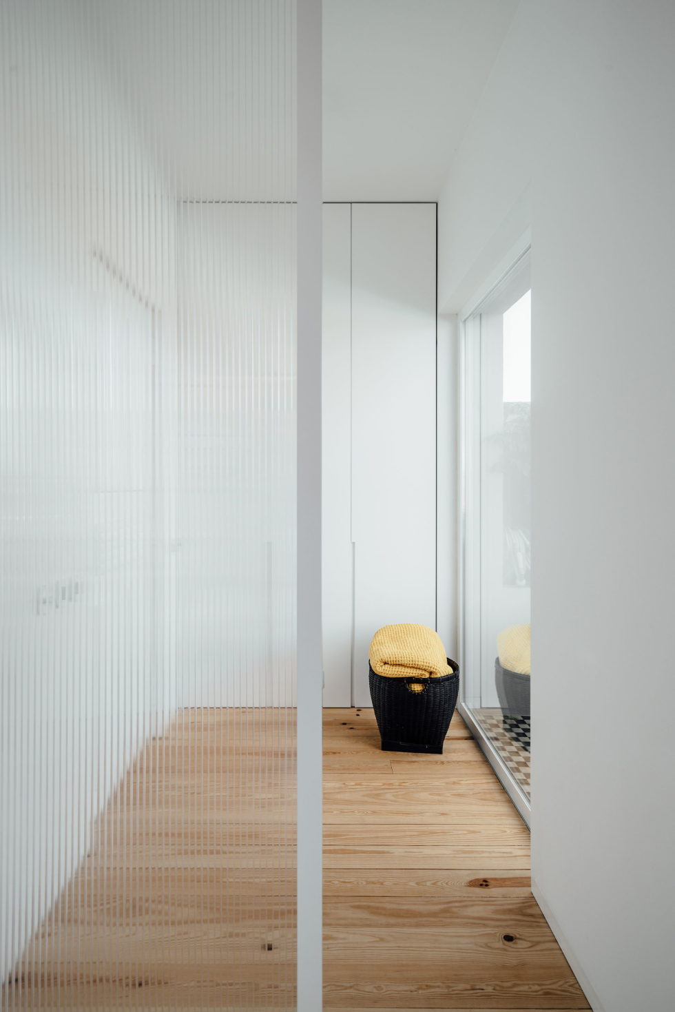 B.A. The Two Level Apartment In Lisbon By Atelier Data 8