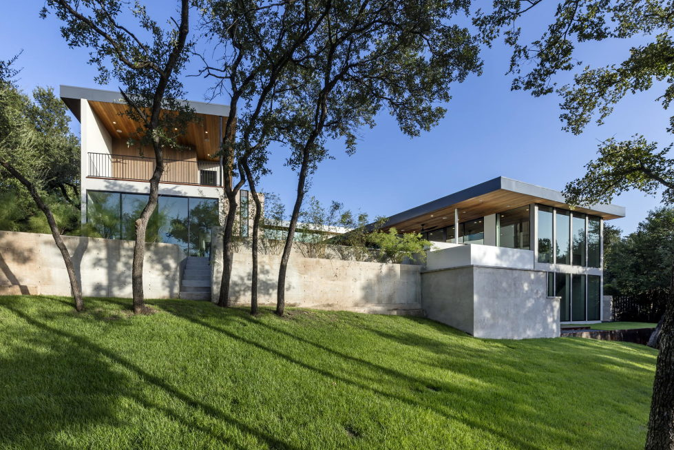 Bracketed Space The Family Residence In Texas 11