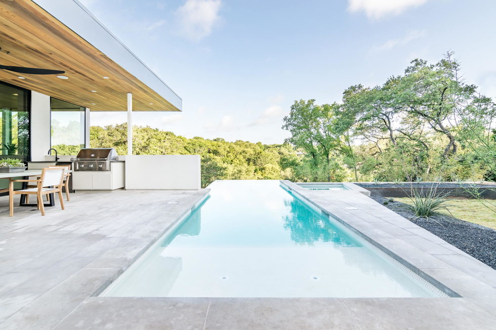 Bracketed Space The Family Residence In Texas 20