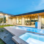 Bracketed Space The Family Residence In Texas 9
