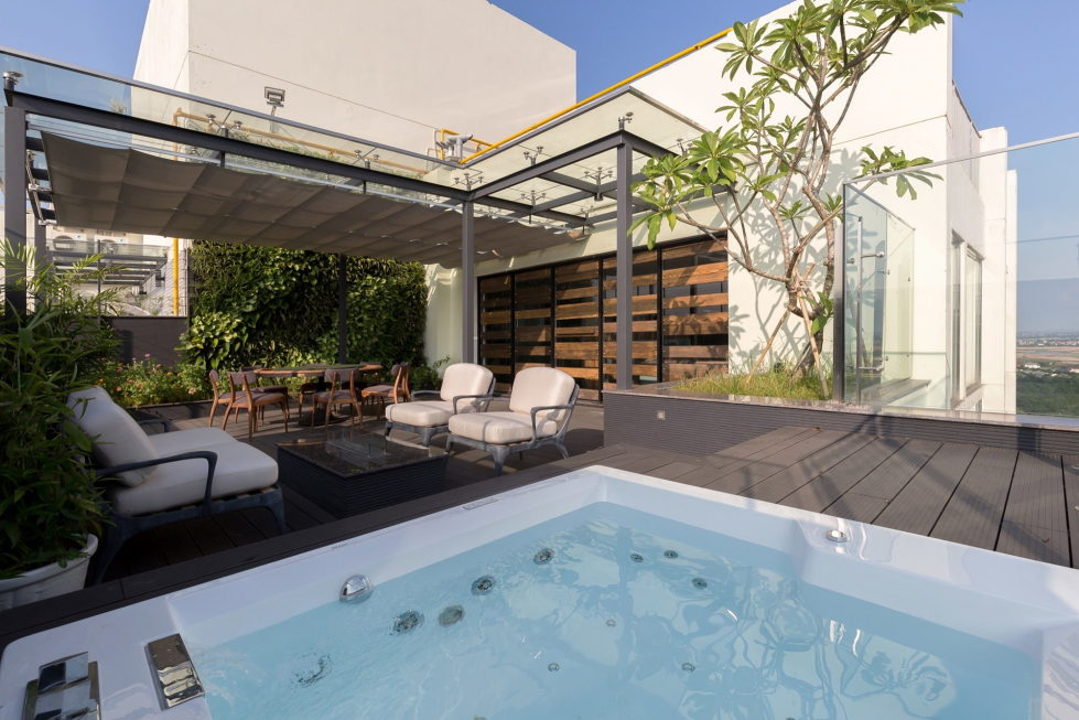 ecopark-the-penthouse-with-garden-in-vietnam-2