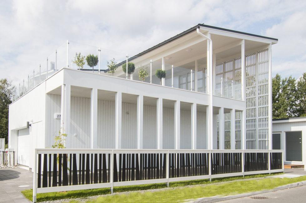Muurame The Wooden Villa On The Lake Shore In Finland 6