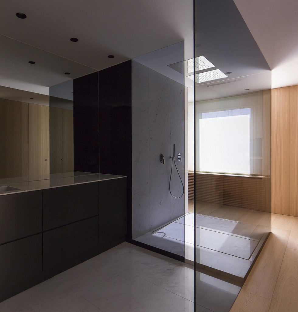 The Apartment with Sliding Panels in Valencia 10