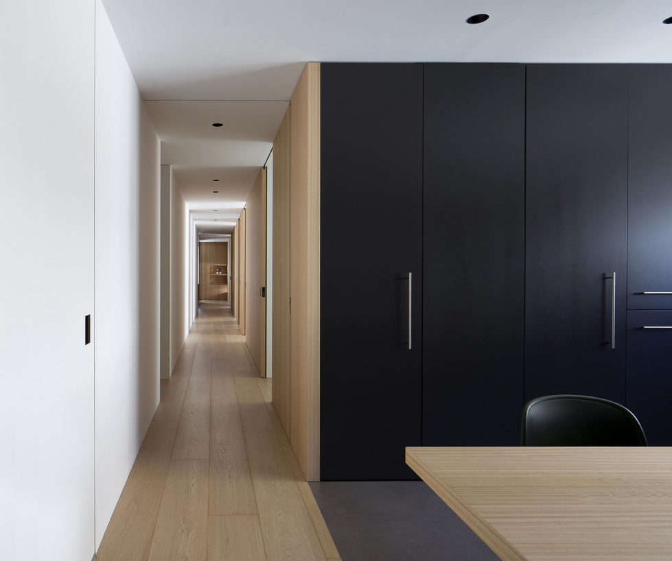 The Apartment with Sliding Panels in Valencia 4