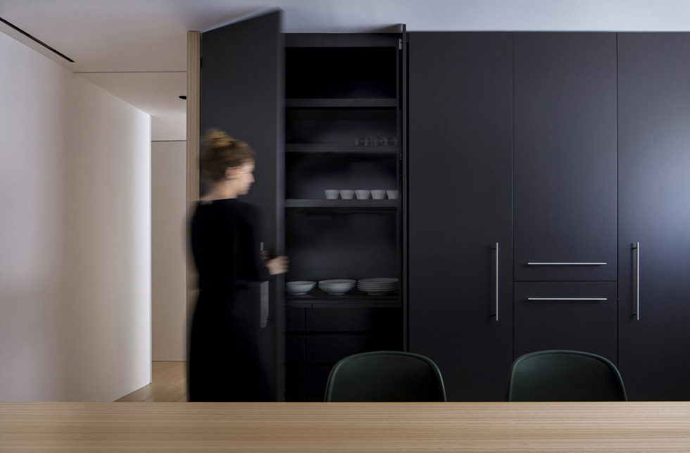 The Apartment with Sliding Panels in Valencia 7