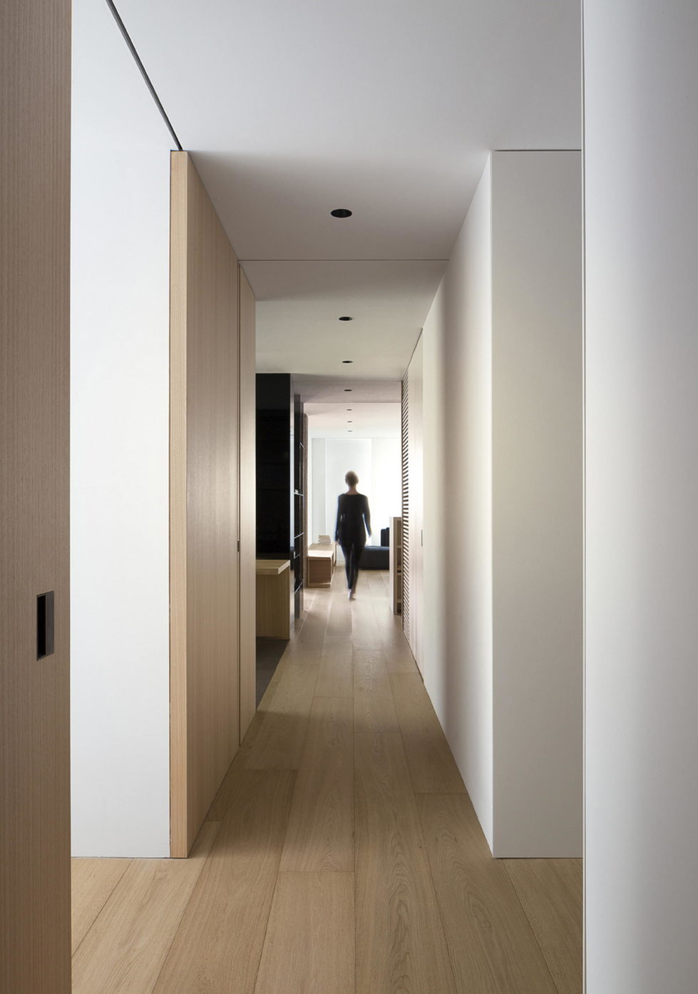 The Apartment with Sliding Panels in Valencia 8