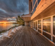 The Beach House On A Rivers Shore In Canada 12