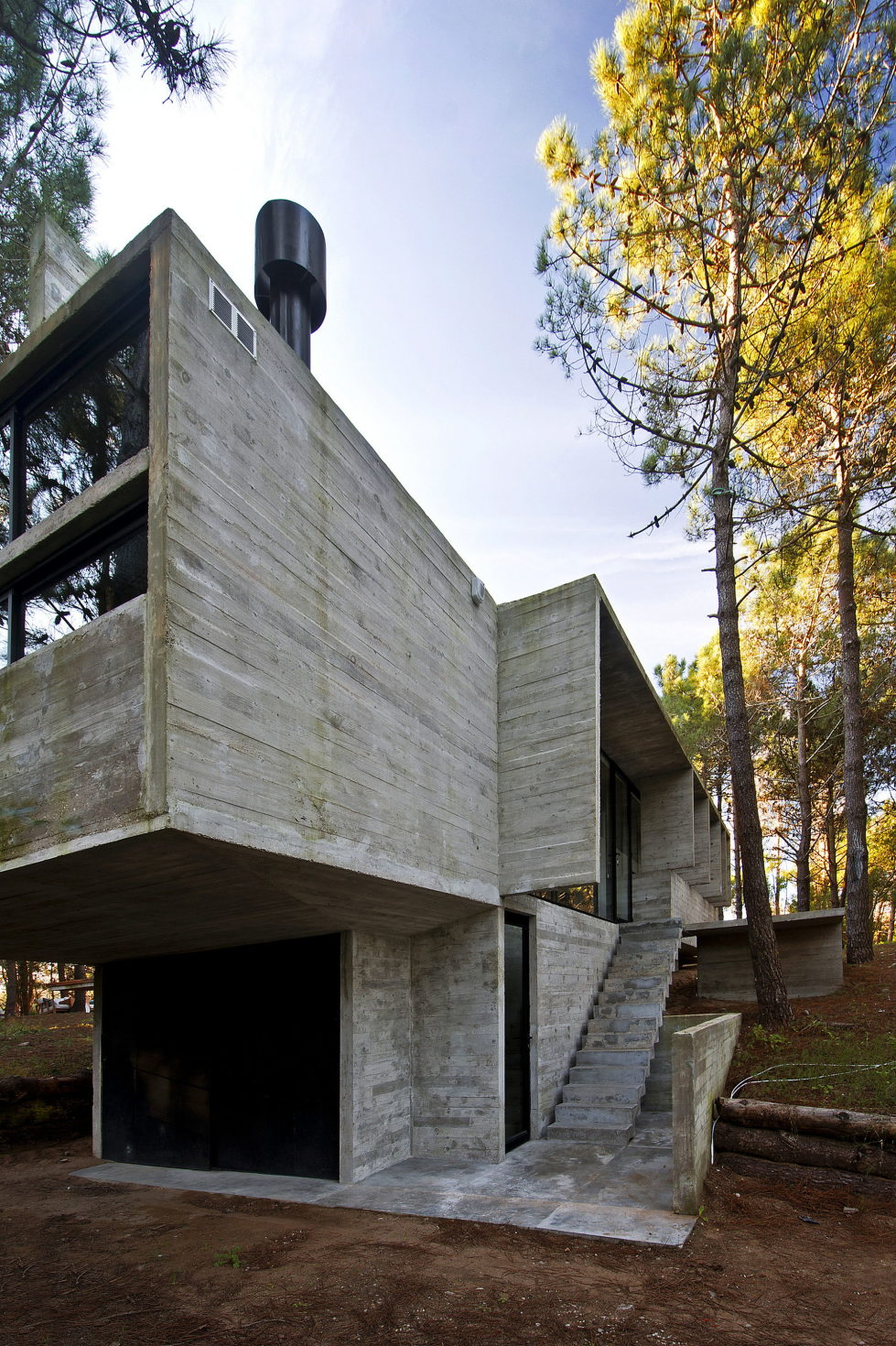 the-concrete-house-for-a-family-in-argentina-16
