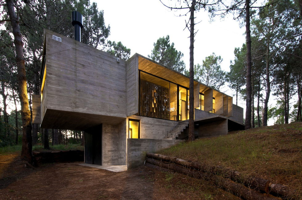the-concrete-house-for-a-family-in-argentina-18