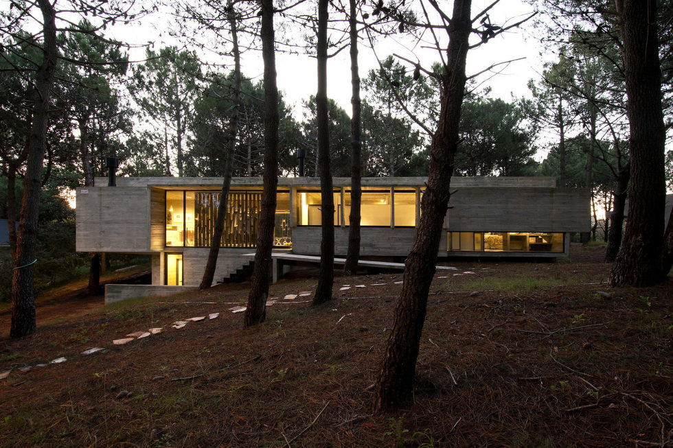 the-concrete-house-for-a-family-in-argentina-19