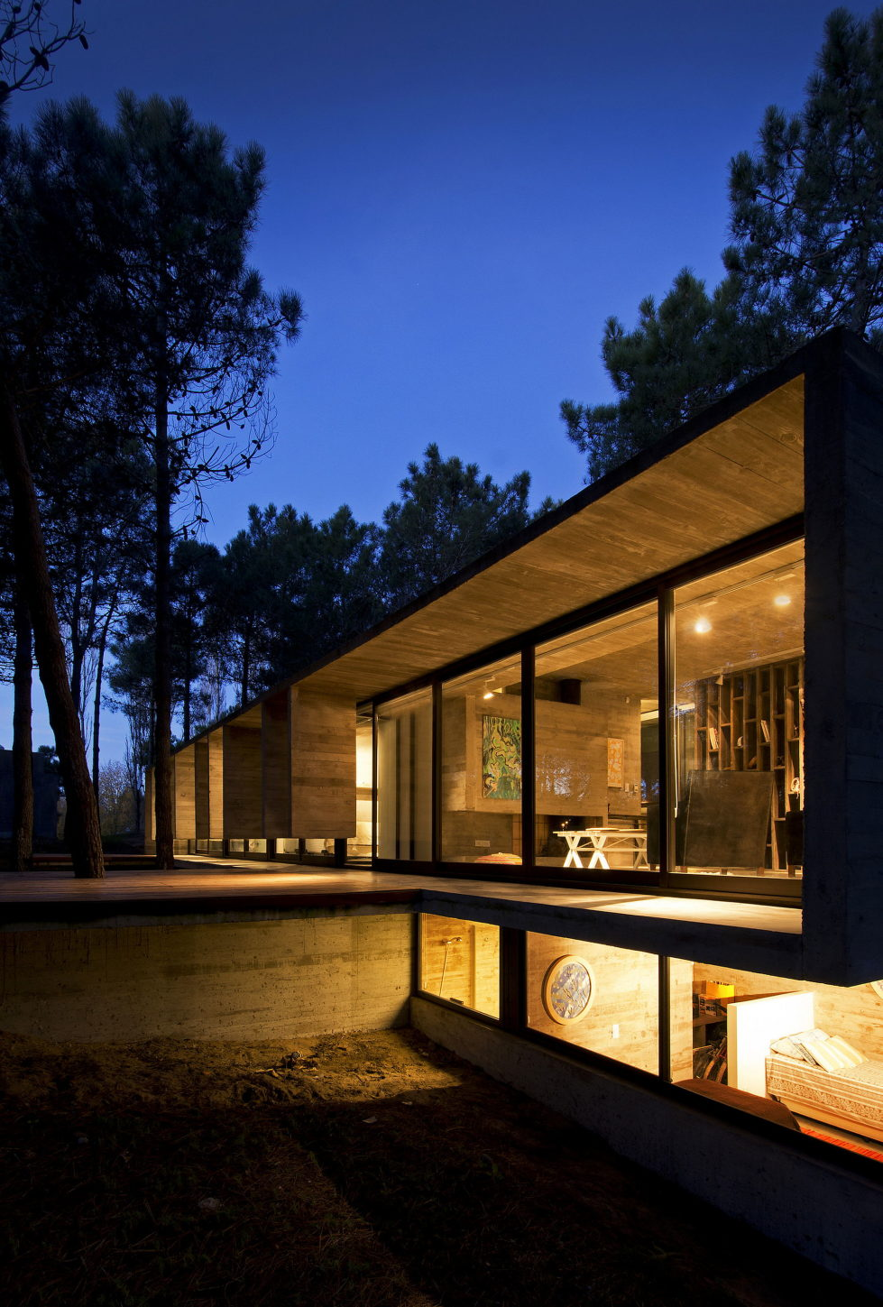 the-concrete-house-for-a-family-in-argentina-3