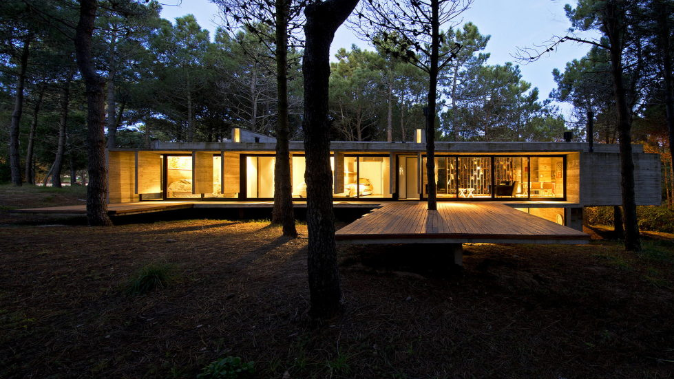 the-concrete-house-for-a-family-in-argentina-4