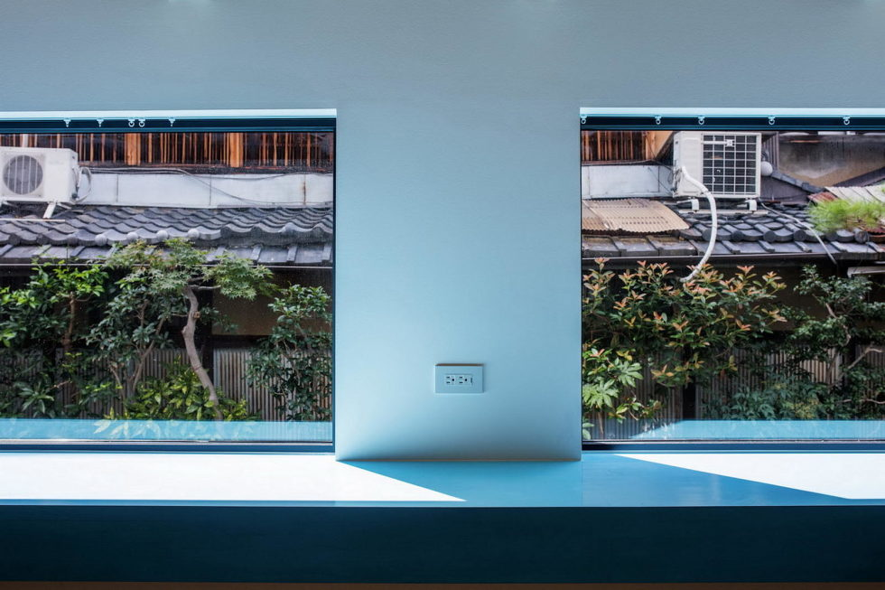 The House With Large Windows In Japan 13