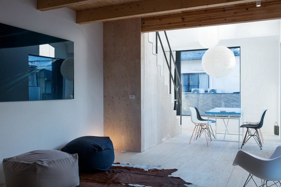 The House With Large Windows In Japan 16