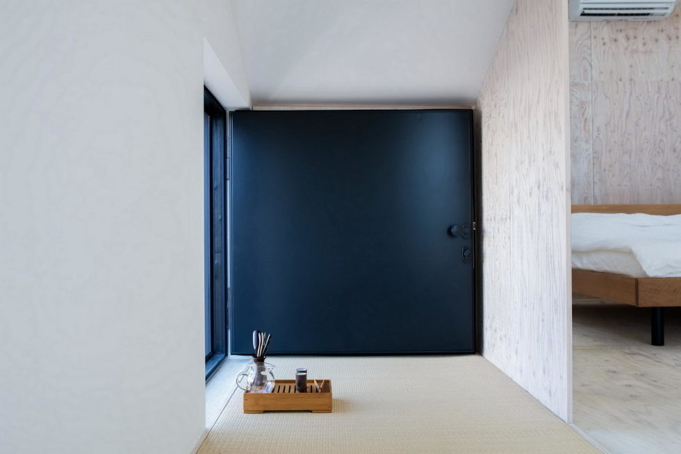 The House With Large Windows In Japan 17