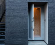 The House With Large Windows In Japan 9