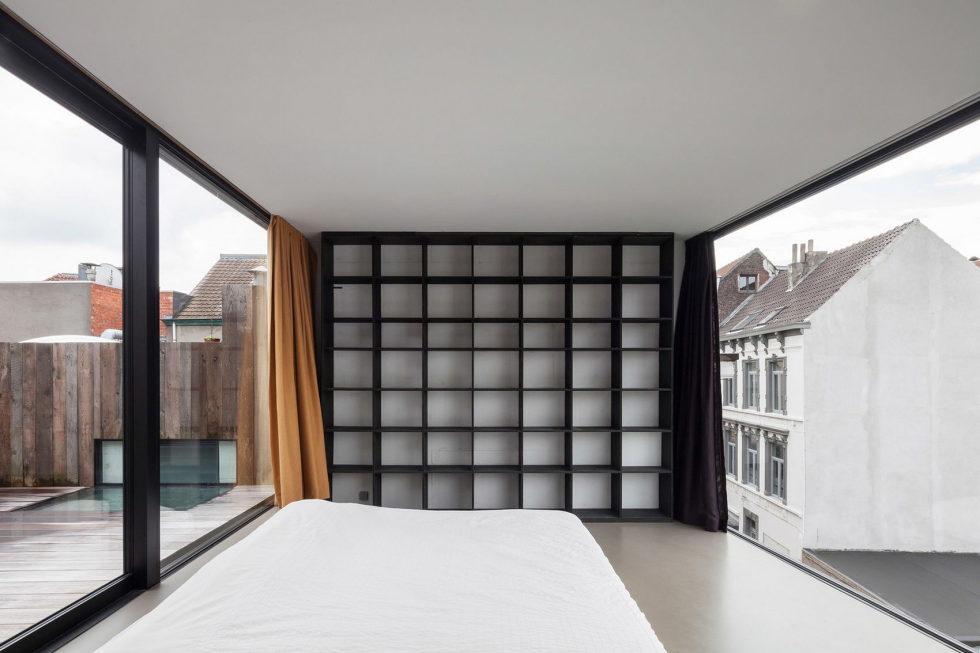 The House With Polyangular Glass Facade In Belgium 17