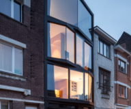 The House With Polyangular Glass Facade In Belgium 27