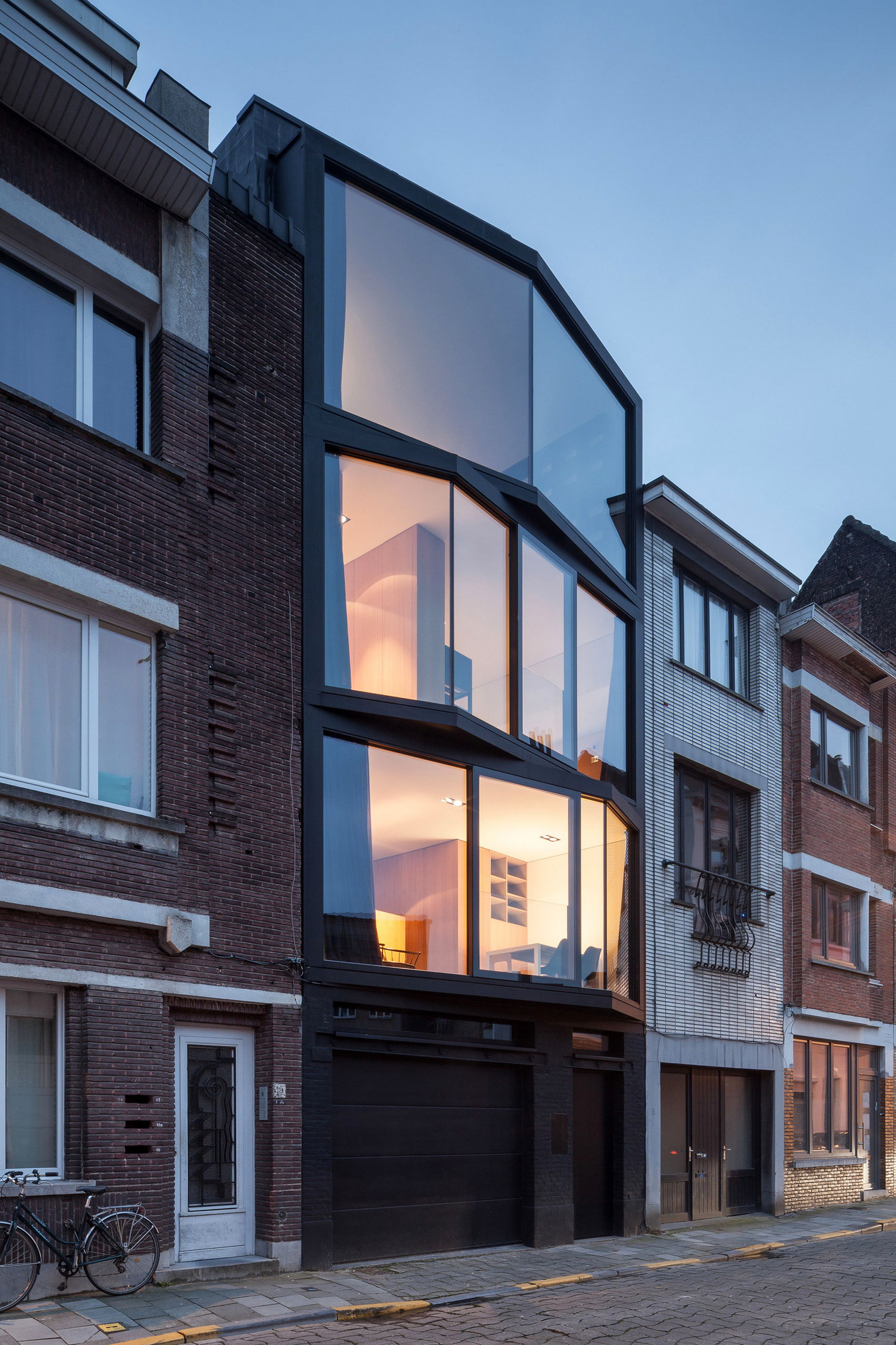 Design Of House Windows Modern Doors And: The House With Polyangular Glass Façade In Belgium