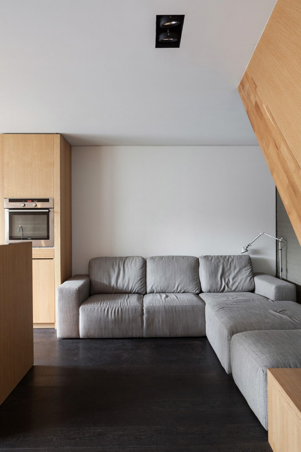 The House With Polyangular Glass Facade In Belgium 7
