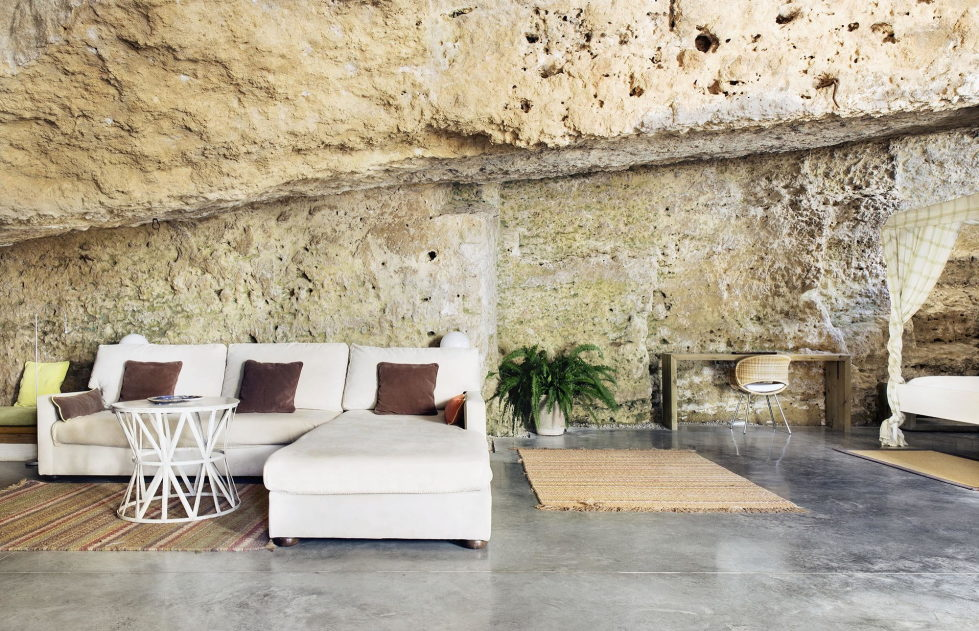 House Cave The Unusual Residence in Spain 2