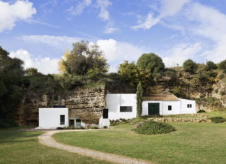 House Cave The Unusual Residence in Spain 3