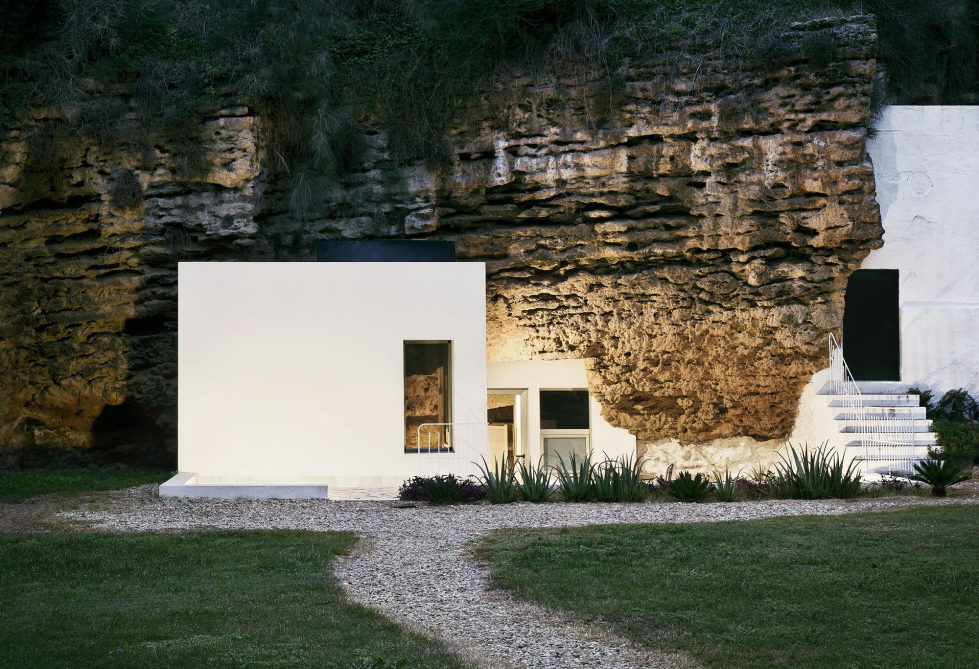House Cave The Unusual Residence in Spain 6