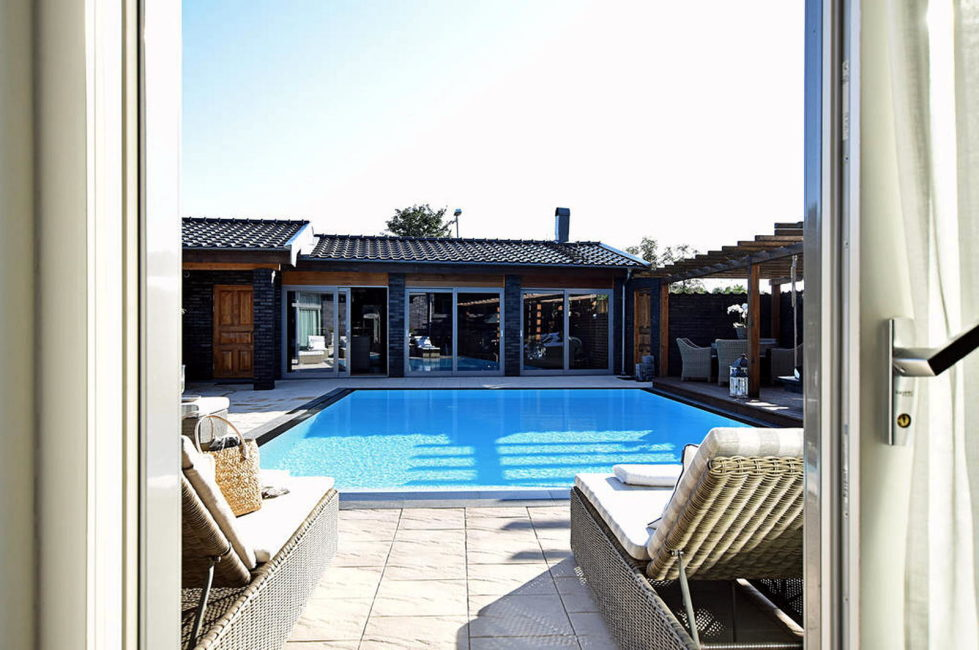 Dream house for sale with luxury pool and river life hidden in the courtyard 6
